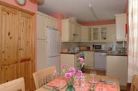 Kitchen  Dalvourn Cottages    bei Inverness Schottland Ferienhaus